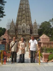 3 la un templu budist