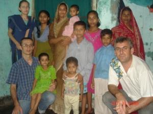 6 in vizita la o familie crestina saraca