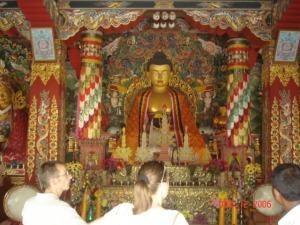 8 in templu